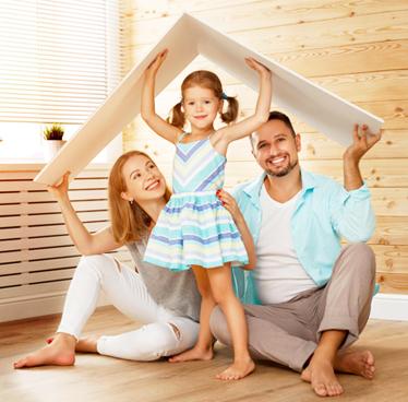 ritratto di famiglia che esprime senso di protezione e sicurezza